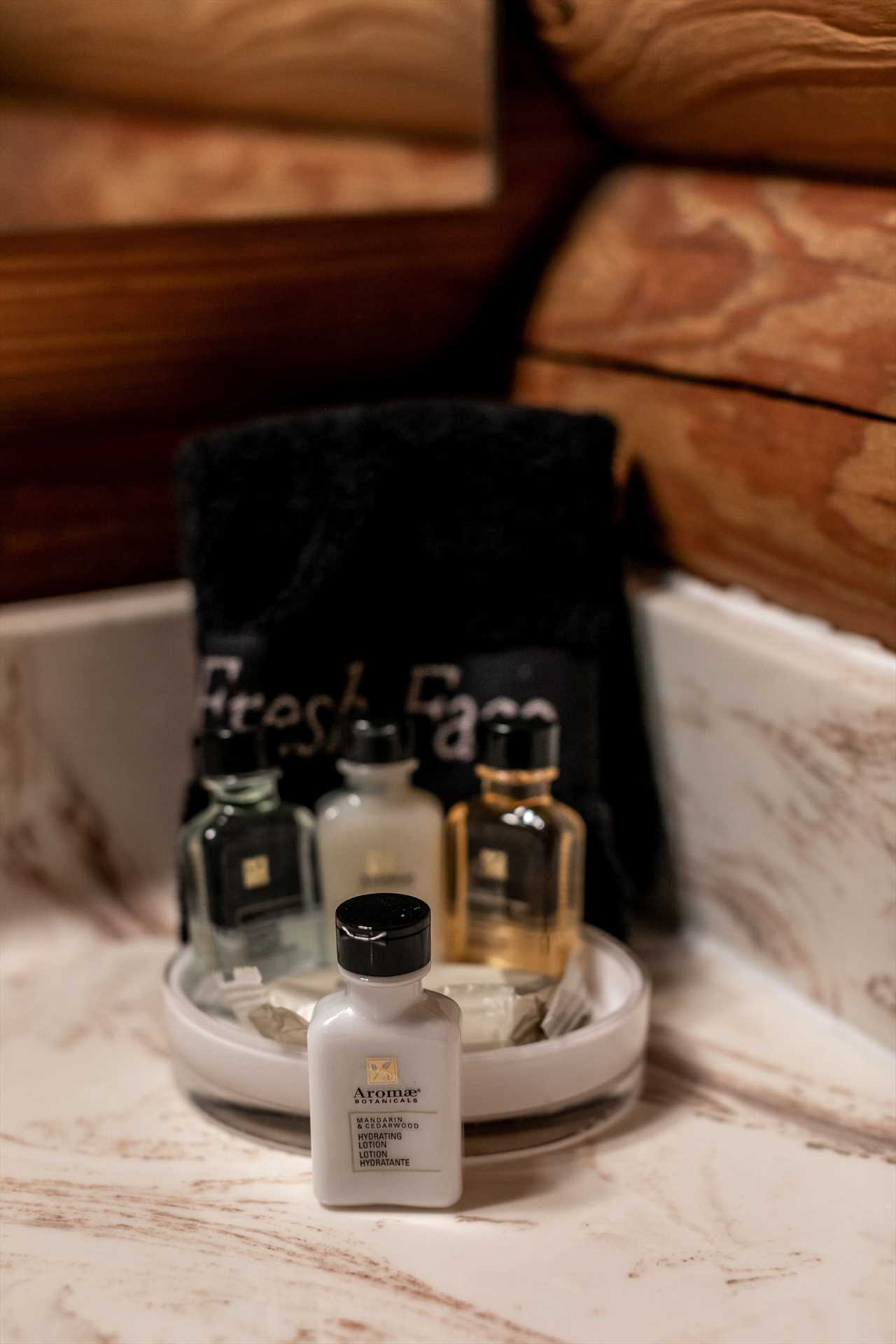 Enjoy complimentary soaps and shampoos.