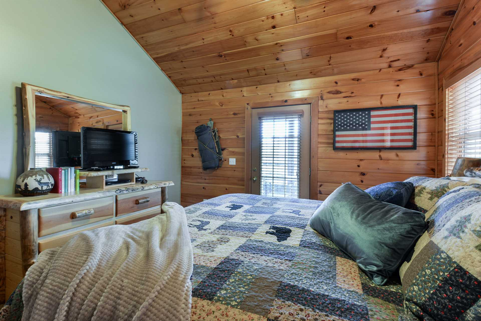 All of the bedrooms in this cabin include flat screen televi