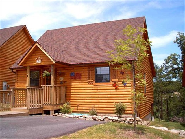Perfect cabins in the woods, with all the resort amenities y