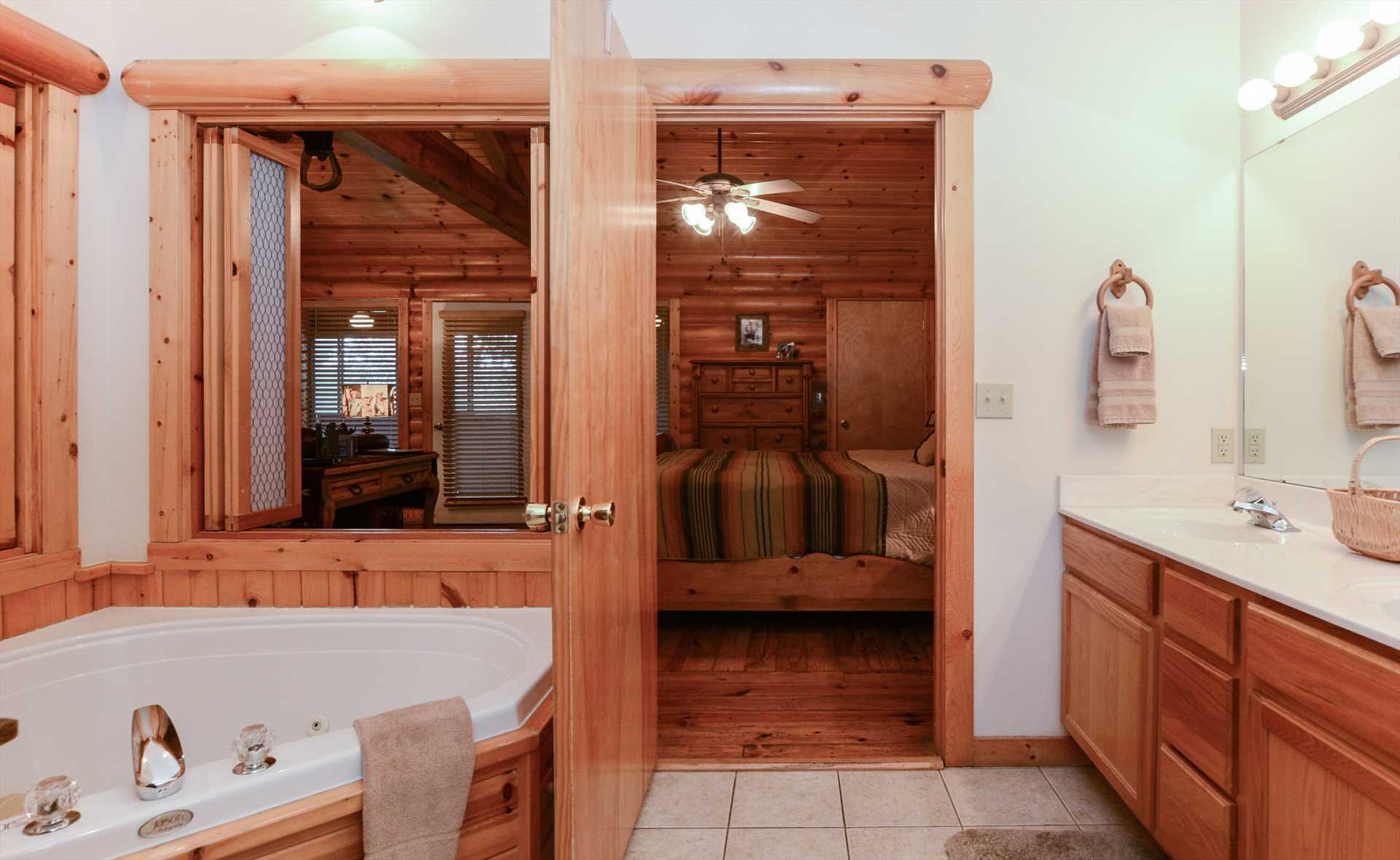 The large whirlpool is a highlight of this adorable cabin.