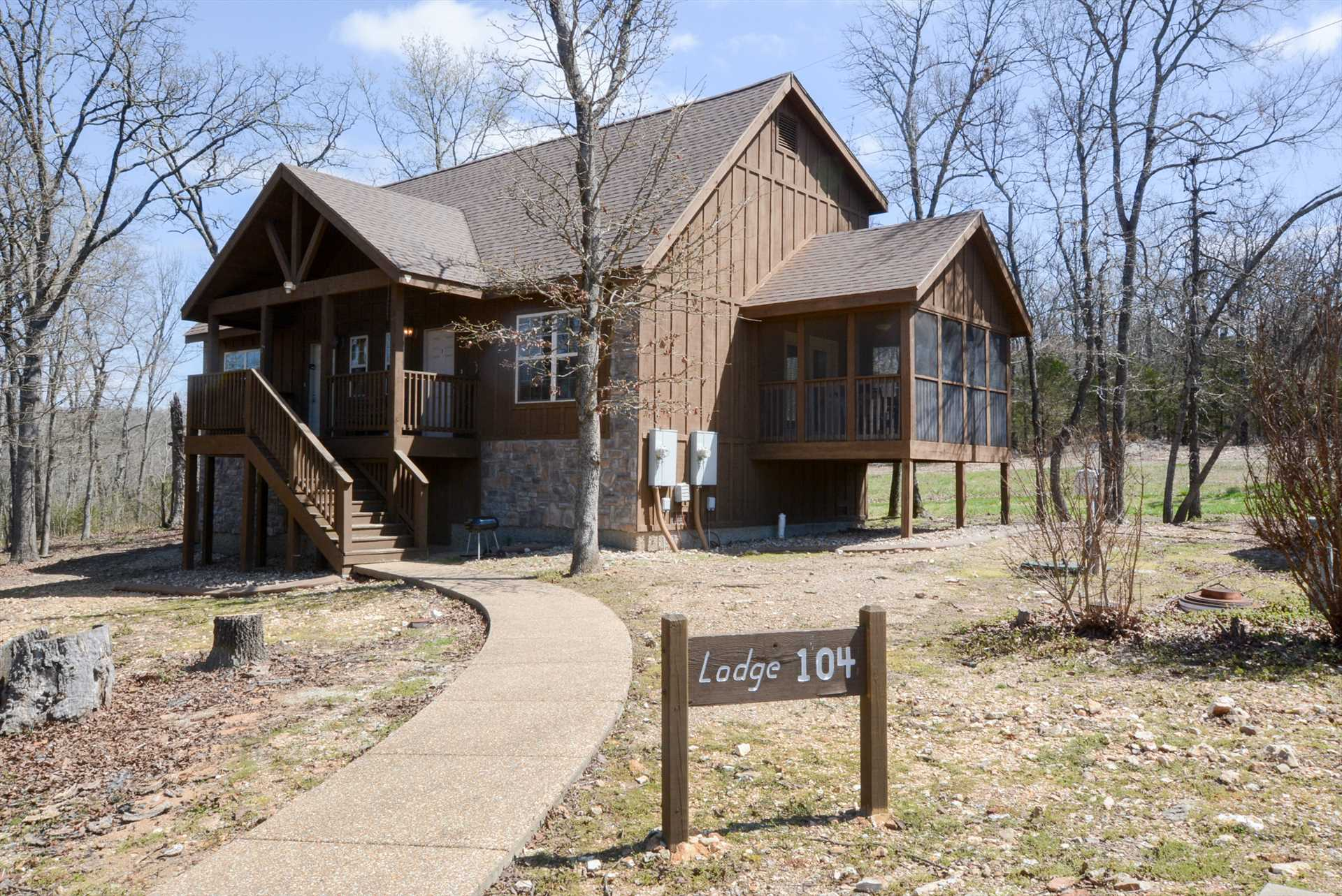 This lodge is in a beautiful wooded location while still clo