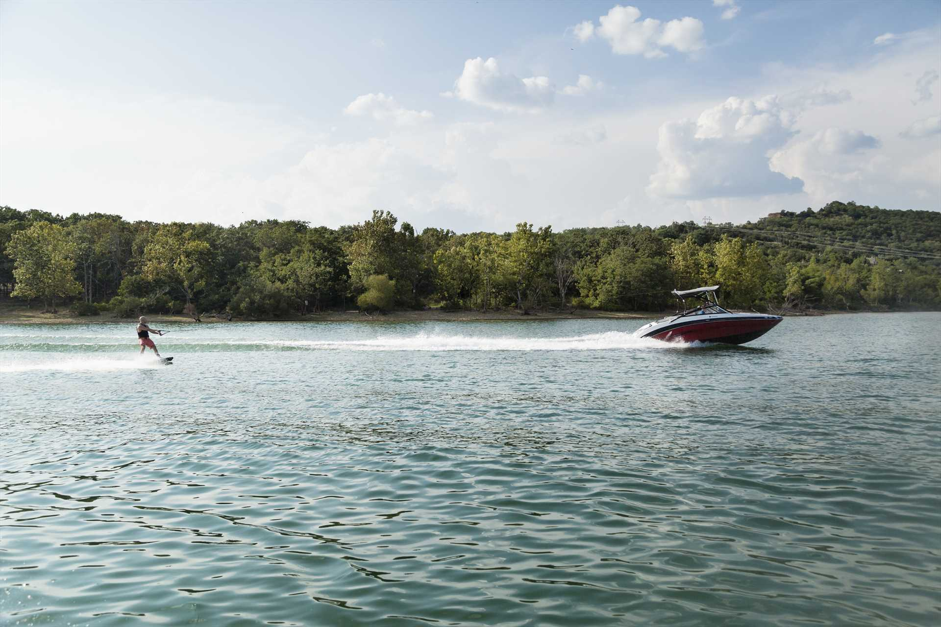 Relax on the boat or enjoy water sports on beautiful Table R
