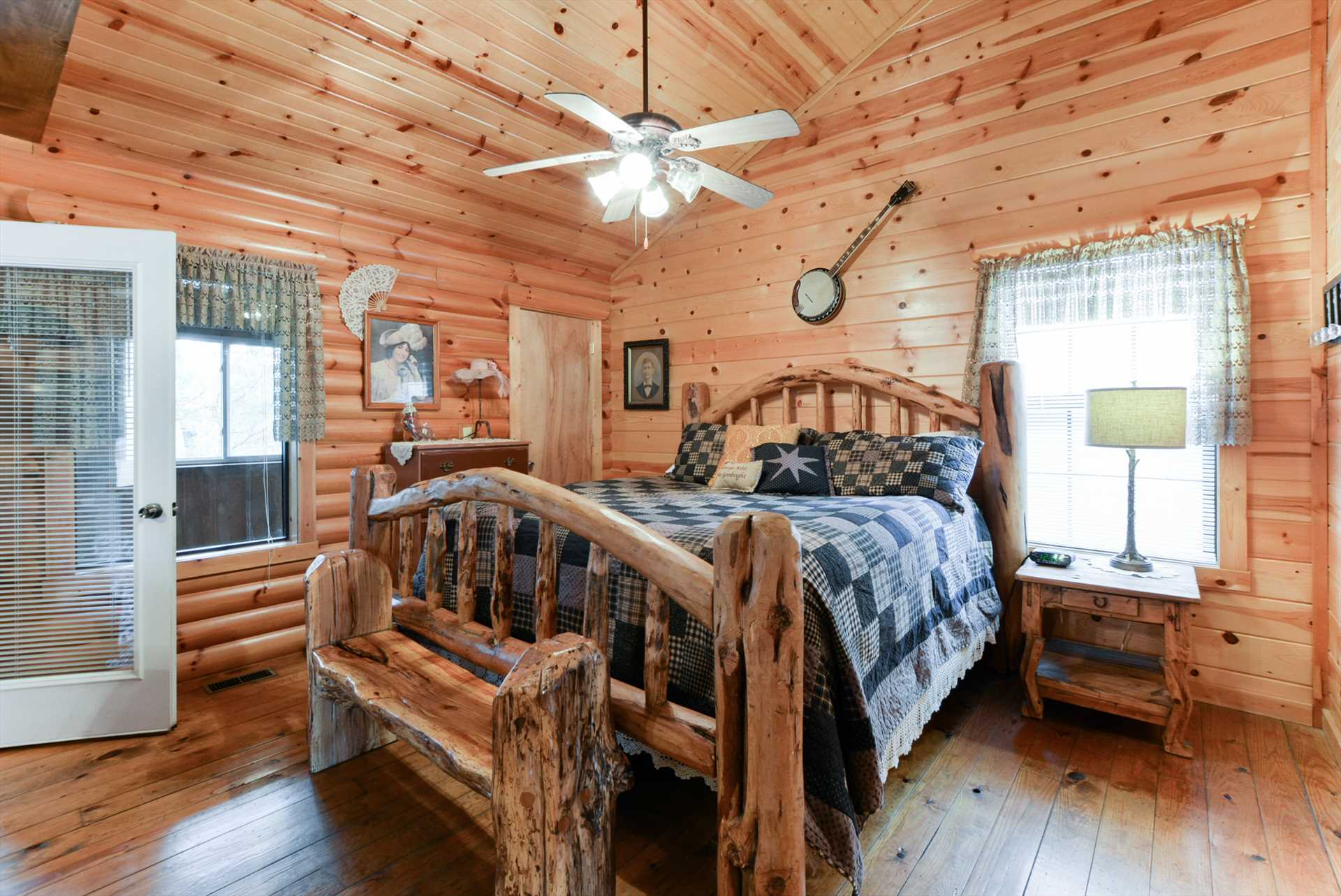 You'll love this rustic bed - a highlight of this cabin!