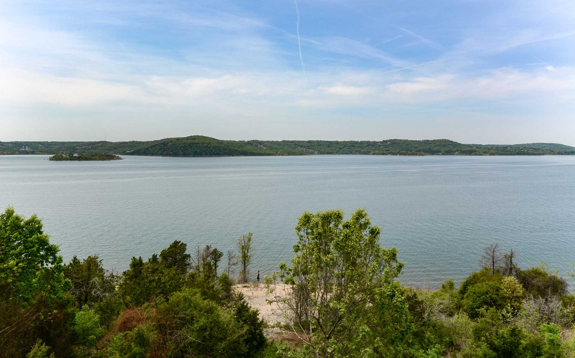 The views of Table Rock Lake are a highlight of this condo!
